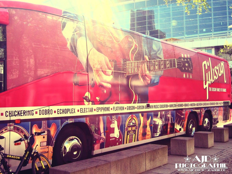 Gibson Bus 01