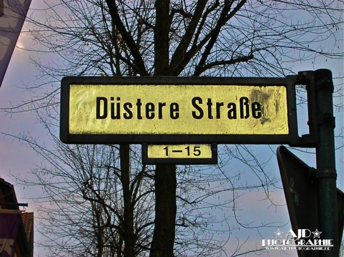 Düstere Straße