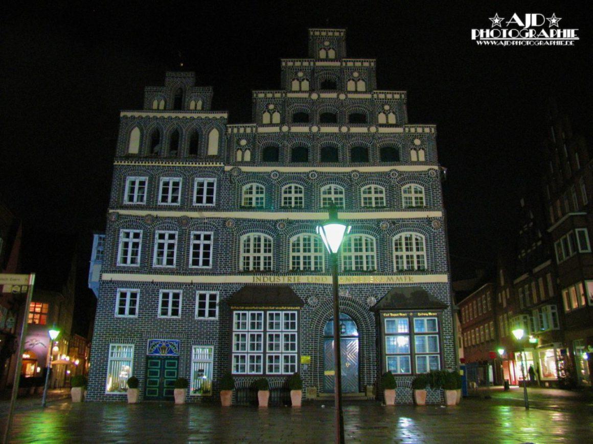 Industrie und Handelskammer Lüneburg bei Nacht