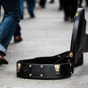 gitarrenkoffer-pixabay-ejaugsburg